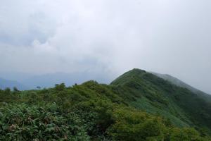 H240811 1227 山頂が見えてきた