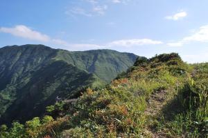 H240908 0842 これから向かう越後駒ヶ岳方面