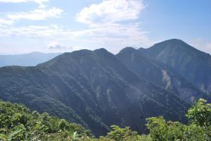 H240908 0854 中ノ岳への尾根