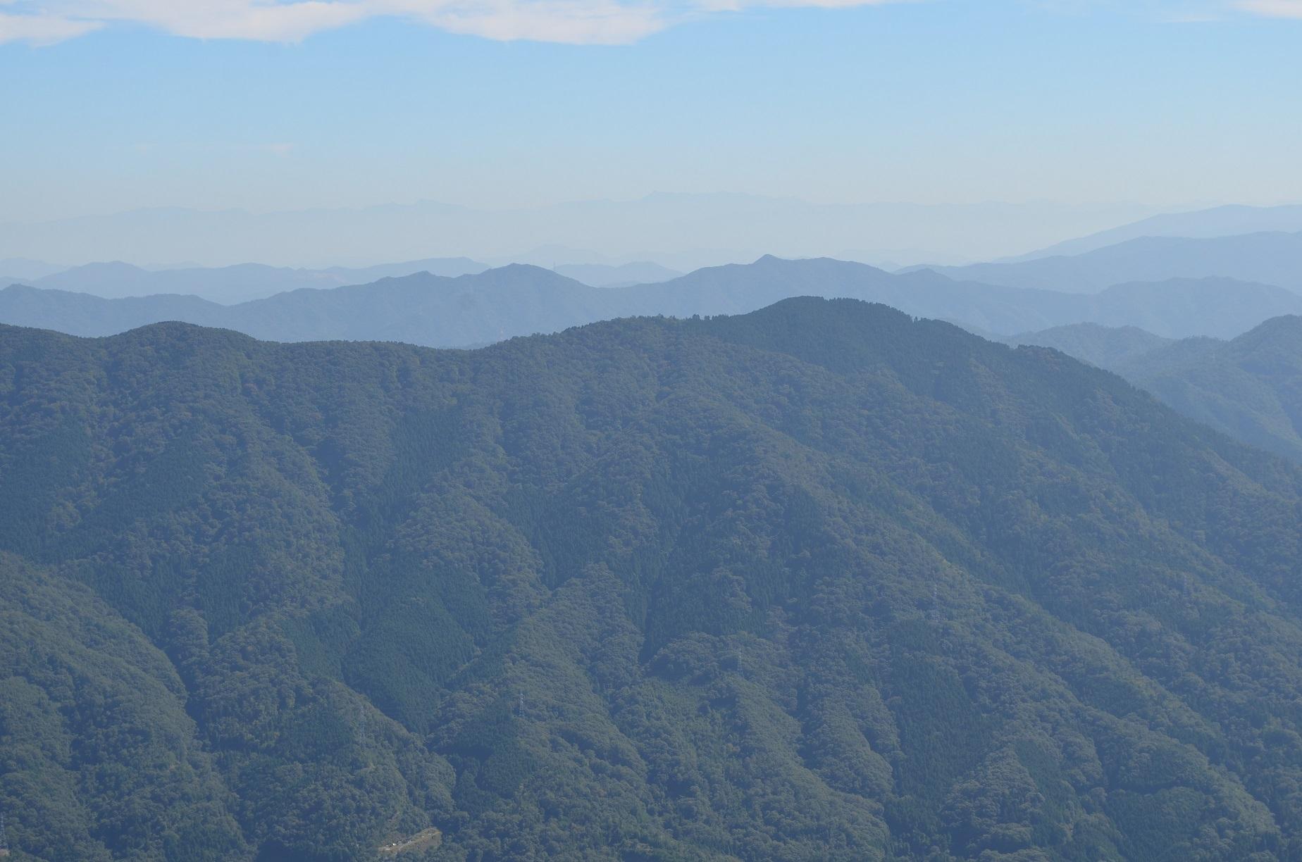 H271003 白木山からみた 多分 石鎚山 とおもう